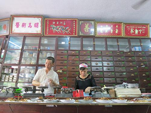 Tiệm thuốc Bá Thảo Linh nổi tiếng mấy chục năm về chữa hiếm muộn