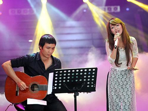 Đinh Hương - một giọng ca trẻ đầy triển vọng của thị trường ca nhạc Việt Ảnh: KHÔI NGUYÊN