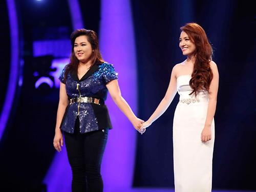 Minh Thùy và Nhật Thủy (phải) sẽ tranh nhau ngôi vị quán quân Vietnam Idol 2013