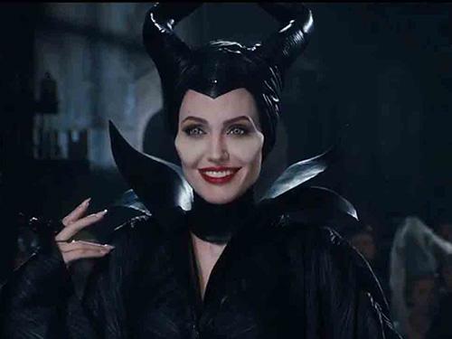 Angelina Jolie ấn tượng trong tạo hình tiên hắc ám MaleficentNguồn: Walt Disney