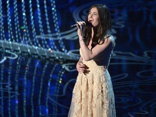 Idina Menzel trình diễn ca khúc Let it go (nhạc phim Frozen) tại lễ trao giải Oscar 86