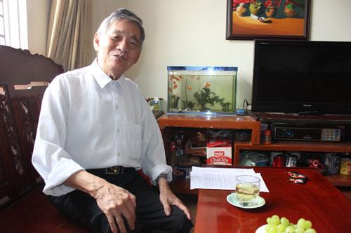 Đã hơn 80 tuổi nhưng ông Lê Huỳnh Minh còn thuộc lòng bài hát Cháo gà - chè đậu