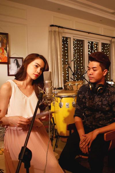 Nhạc sĩ trẻ Đỗ Hiếu cùng ca sĩ Hồ Ngọc Hà thực hiện dự án âm nhạc mới của Hồ Ngọc Hà Ảnh KHOA NGUYỄN