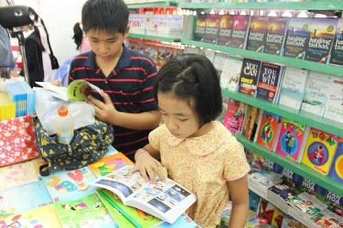 Sách cho thiếu nhi đang thiếu trầm trọng Ảnh: FAHASA
