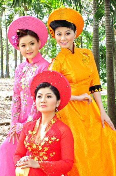 Ba nữ nghệ sĩ đã từng đoạt HCV Triển vọng giải Trần Hữu Trang: Trinh Trinh, Tú Sương và Quế TrânẢnh: HOÀNG VINH