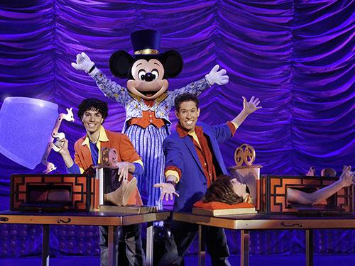 Một màn biểu diễn trong chương trình ảo thuật của chuột Mickey (Ảnh do chương trình cung cấp)
