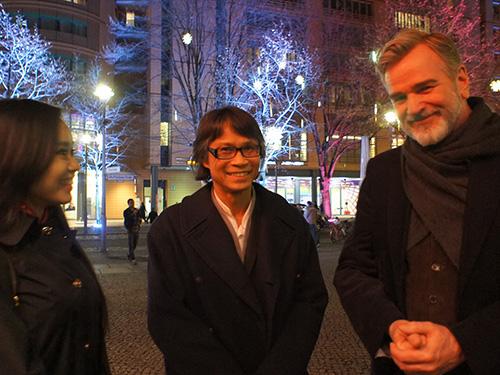 Đạo diễn Nguyễn Võ Nghiêm Minh (giữa) tại Liên hoan Phim Berlin 2014. (Ảnh do nhân vật cung cấp)