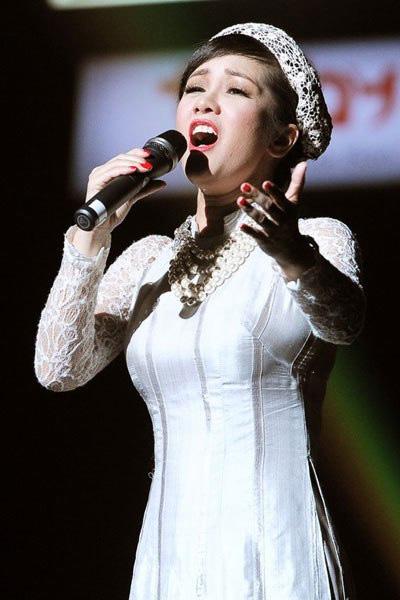 Dù đã là ca sĩ tên tuổi hàng đầu nhưng ca sĩ Hồng Nhung luôn coi trọng việc học để nâng cao năng lực sáng tạo Ảnh: Khôi Nguyên