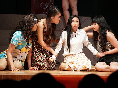 Cảnh trong một vở diễn tại Sân khấu Kịch Tâm Ngọc