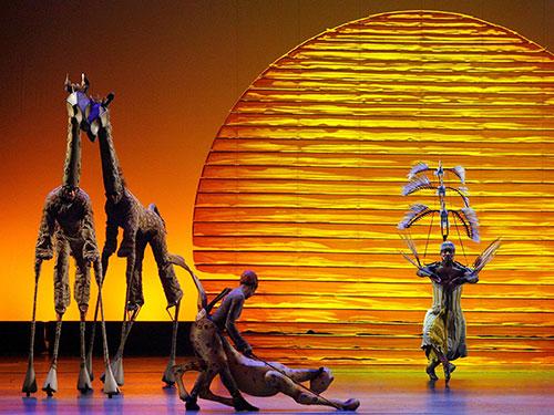 Các diễn viên trong vở nhạc kịch Vua sư tử tại lễ trao giải Tony Awards năm 2008 Nguồn: Reuters