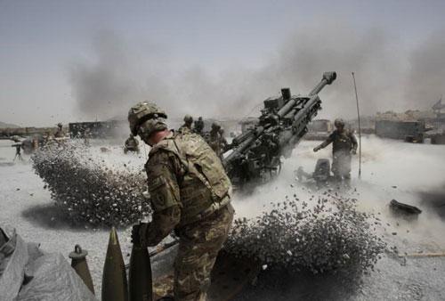 Quân đội Mỹ vẫn đang ném tiền đóng thuế của người dân Mỹ vào bom đạn  ở Afghanistan Ảnh: REUTERS