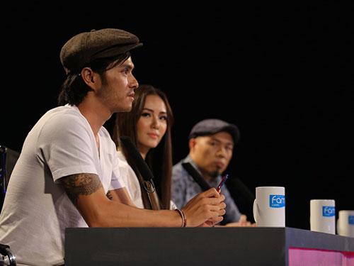 Biên đạo múa Alex Tú trên ghế giám khảo của chương trình Học viện Ngôi sao (Ảnh do chương trình cung cấp)