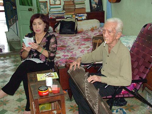 Khi Hãng phim Trẻ thực hiện bộ phim tư liệu về NSND Lệ Thủy, bà đã ca lại bài tân cổ giao duyên Cô hàng chè tươi do NSND Viễn Châu đàn tranh