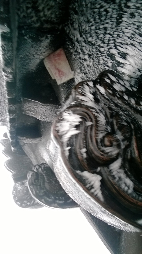 Quảng Ninh: Băng tuyết xuất hiện tại chùa Đồng