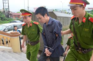 Với hành vi giết người và cướp tài sản, Phạm Văn Doanh phải nhận tổng hình phạt là án tù chung thân.