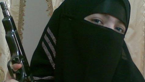 Nữ phần tử đánh bom liều chết tại ga tàu điện ngầm Lubyanka ở Moscow - Nga năm 2010 Ảnh: RIA
