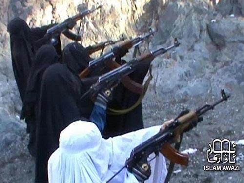 Những nữ chiến binh Taliban đang được huấn luyện  Ảnh: ISLAM AWAZI