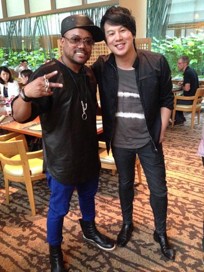 Ca sĩ Apl de Ap và ca sĩ - nhạc sĩ Thanh Bùi. (Ảnh do nghệ sĩ cung cấp)