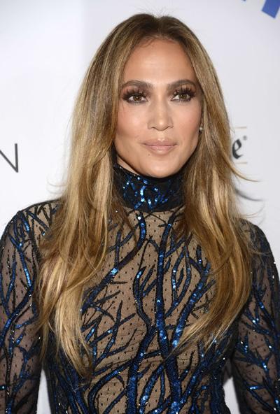 Jennifer Lopez xuất hiện tại lễ trao giải GLAAD Media hôm 12-4 Nguồn: Reuters