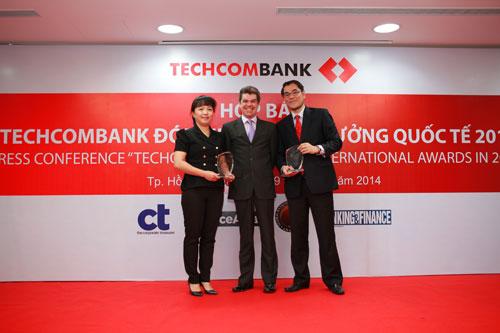 Techcombank vinh dự nhận 10 giải thưởng quốc tế uy tín