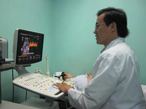 Siêu âm thai ở Bệnh viện Vạn Hạnh ảnh: V.H