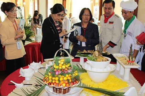"""""""Chiếc thìa vàng"""" 2014 tiếp tục tìm kiếm, tôn vinh những món ăn dân tộc và tài nghệ đầu bếp trên cả nước"""