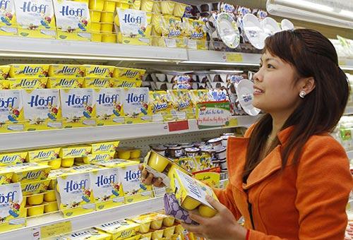 Nhiều bà mẹ trẻ tin tưởng chọn mua váng sữa Hoff cho con
