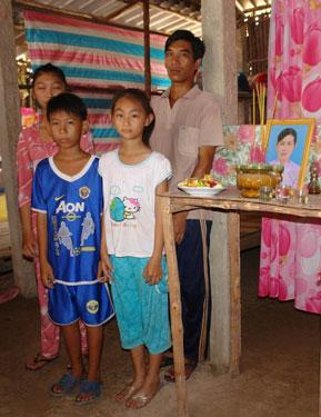 Bốn cha con anh Nguyễn Văn Nhớ