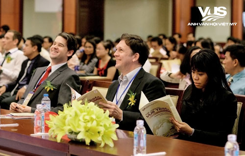 Các giảng viên tiếng Anh tại hội nghị