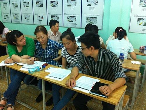 """Học viên tham gia khóa đào tạo """"Nghiệp vụ bán hàng"""" do Báo Người Lao Động và Trung tâm Giới thiệu việc làm TP HCM tổ chức"""