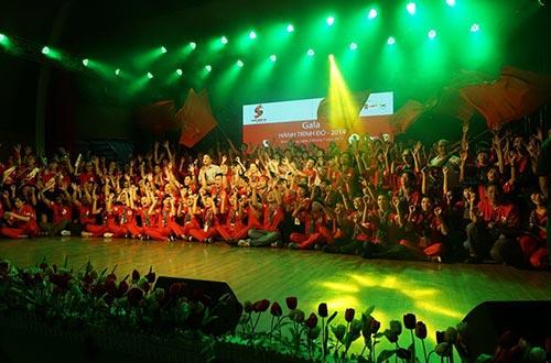 """Đêm văn nghệ Gala """"Hành trình đỏ 2014 - Kết nối dòng máu Việt"""""""
