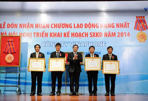 Lễ đón nhận Huân chương Lao động hạng nhất của Vinaphone