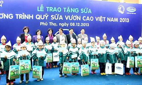 Đến nay Quỹ sữa Vươn cao Việt Nam đã tiếp cận hơn 307.000 trẻ em có hoàn cảnh khó khăn tại Việt Nam, gửi tặng hơn 22 triệu ly sữa, tương đương khoảng 83 tỉ đồng