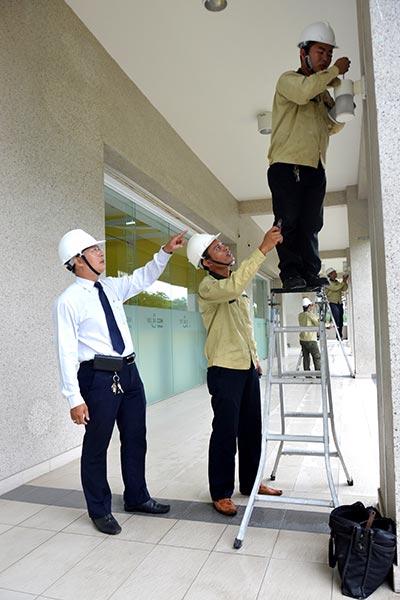Quản lý khu phố giám sát việc bảo trì hệ thống chiếu sáng công cộng tại khu phố