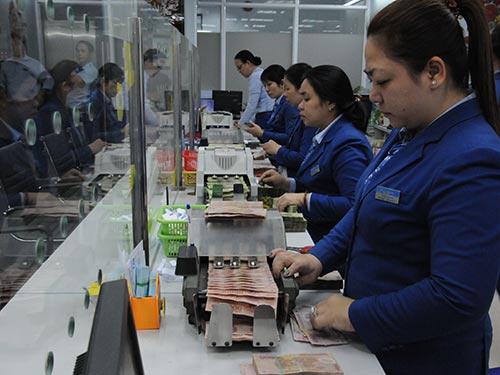 Cần có chính sách khuyến khích tiêu dùng để tăng tổng cầu cho nền kinh tế Ảnh: Hồng Thúy