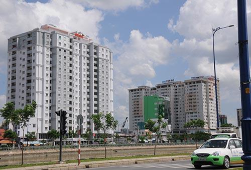 Lãi suất giảm mạnh mang lại cơ hội thuận lợi hơn cho ngành bất động sản Ảnh: Hồng Thúy