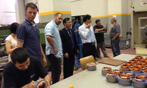 Đoàn Việt Nam thăm nhà máy của Công ty Guctay