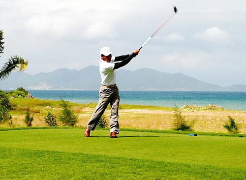 Giải Golf vô địch CLB Vinpearl golf Nha Trang 2014 là sự kiện tri ân các hội viên và khách hàng thân thiết