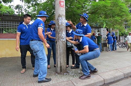 Sơn Spec và MC Quyền Linh mang màu xanh đến Huế