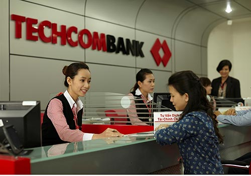 Techcombank là một trong những ngân hàng đi đầu trong việc đơn giản hóa thủ tục, không ngừng cung cấp các sản phẩm, dịch vụ chuyên biệt cho khách hàng