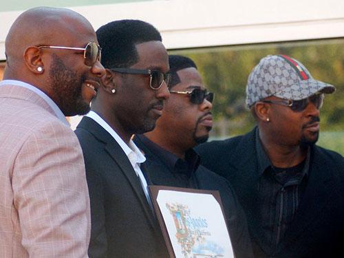 Nhóm nhạc Boyz II Men nhận sao trên Đại lộ Danh vọng năm 2012. Nguồn: WIKIPEDIA