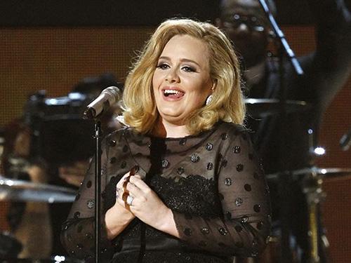 Một số clip ca nhạc của nữ ca sĩ Adele có thể bị khóa trên YouTube vì tranh chấp giữa hãng đĩa và YouTubeNguồn: REUTERS