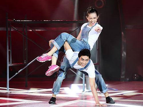 Mỹ An và Đình Lộc trên sân khấu Thử thách cùng bước nhảy 2013. (Ảnh do chương trình cung cấp)