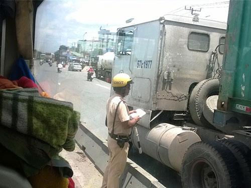 Tài xế xe khách đường dài sợ nhất là bị CSGT xử phạt nặng