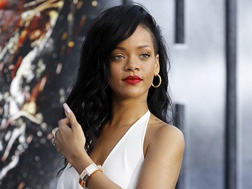 Trang phục của Rihanna luôn gây ấn tượng mỗi khi xuất hiện tại các sự kiện lớn Nguồn: REUTERS