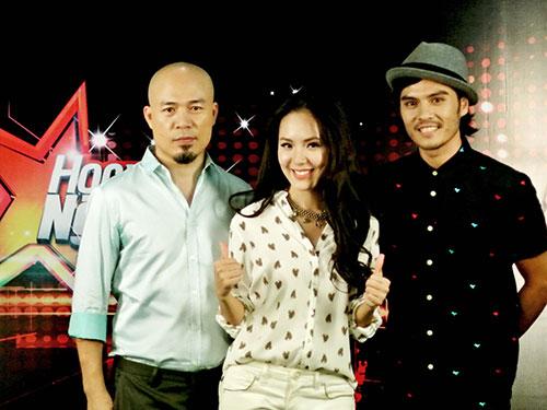 Bộ 3 huấn luyện cho các thí sinh Học viện Ngôi sao. Từ trái qua: Nhạc sĩ Huy Tuấn, ca sĩ Phương Linh và biên đạo múa Alex Tú Ảnh: BHD