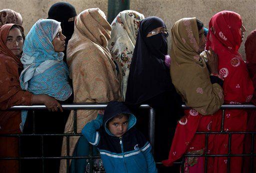 Phụ nữ tại Pakistan. Ảnh minh họa: AP
