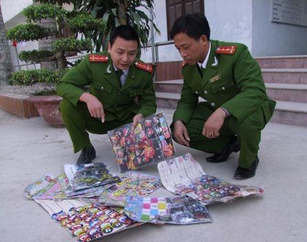 Số pháo ép độc hại dạng đồ chơi được công an huyện Quảng Xương, Thanh Hóa thu giữ.