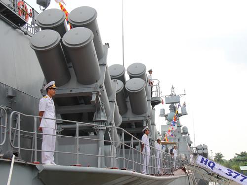 Cận cảnh 8 ống phóng tên lửa Kh-35 Uran-E trên tàu HQ-377