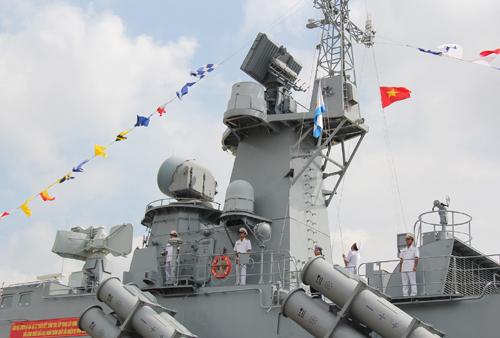 Quốc kỳ, Hải kỳ tung bay trên Tàu HQ-377